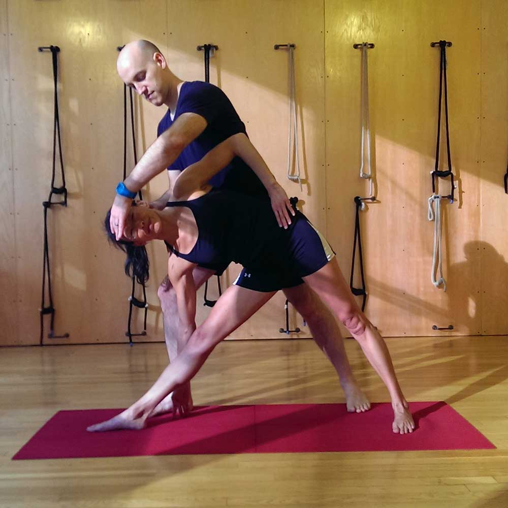 Give Better Yoga Adjustments with the Alexander Technique